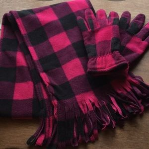 🧣 Pretty Scarf and Gloves Set.